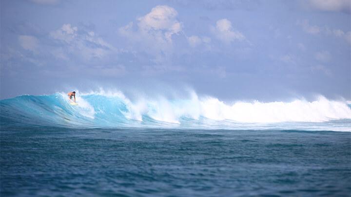 surfing Six Senses Laamu