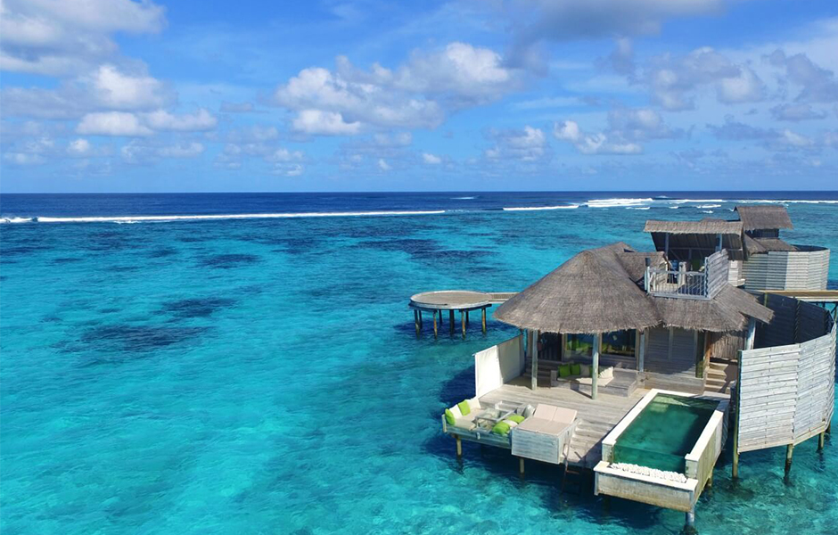 Six senses laamu water villa